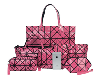 pink graphic bag set